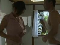 【ヘンリー塚本】熟女が新聞配達男を自宅に連れ込み朝から激しいセックス
