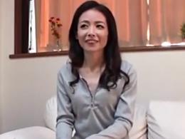 嫁の不在時に家事をしに上京してきた綺麗な五十路義母と一夜限りの禁断SEX 成田あゆみ