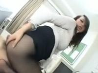 【無修正】巨尻女上司が黒パンストでオフィス顔面騎乗プレイ!