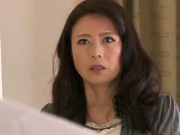 夫の部下が勝手に家に入ってきて犯される四十路の美熟妻! 三浦恵理子