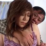 【無修正】巨乳熟女がリストラ夫の再就職祝に久々セックス!