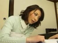 矢部寿恵 四十路美熟女が息子のデカチンが気になりすぎて遂に一線超え!