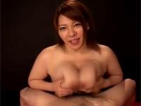 杏美月 ドスケベ爆乳熟女がカメラに向かって淫語パイズリセックス!