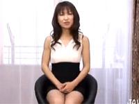鏡涼子 元TVレポーターの熟女が初AV出演!デカマラにびっくり!