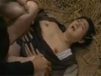 【ヘンリー塚本】還暦過ぎの高齢熟女と村の納屋でセックスだべ
