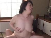 柏木舞子 五十路熟女な妻の母親との激しいセックスにハマってしまった