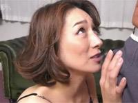 【無修正】松本まりな 四十路美熟女の激しいセックス最後は顔射!