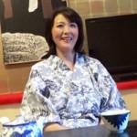 47歳の主婦が刺激を求めてAVクルーたちと温泉に不倫SEX旅行に出かける 円城ひとみ