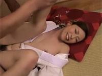 白木優子 和服美熟女が借金のため手マンでヌレヌレにされた挙句ガッツリ挿入!