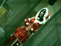 サンタコスを試着したまま熟睡中の女子を自宅侵入レイプ!