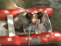【ヘンリー塚本】森の湖に浮かべたボート上で情熱的青姦不倫セックス