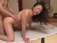 青井マリ 五十路の垂れ乳叔母さんと甥が激しく求め合うセックス!