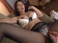 伊織涼子 黒パンストがエロい長身熟女が隣の旦那に欲情し妄想セックス!