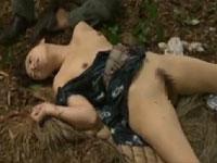 【ヘンリー塚本】農家の熟女が竹林で何度もレイプ、その後壮絶な展開に…xvideos