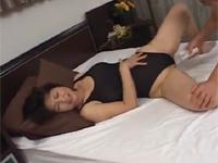 【無修正】六十路熟女がスク水姿で若い男と激セックス!里中亜矢子 xvideos