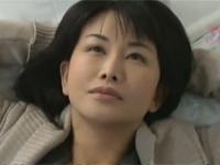 【ヘンリー塚本】43歳熟妻は夫の出勤後バス内へ逆痴漢行為に行く 浅井舞香