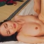 秋月しずこ 四十路セレブ熟女が激しく感じるセックスとイラマチオ!