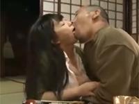 【ヘンリー塚本】旦那のチンポより親父のモノのほうがスキな近親相姦熟女