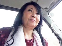 温泉旅行にて夫亡き後15年ぶりに膣に入ってきたのは孫のチ○ポでした… 田代かず代