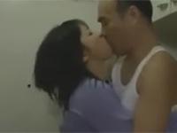 【ヘンリー塚本】隣の団地妻と貪り合う激しい不倫セックス!