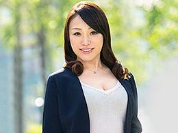 【初撮り人妻】経験人数50人超えのヤリマン四十路妻が中出しSEXで絶叫アクメ! 京田紗香