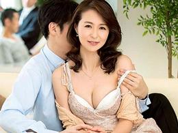 【NTR】妻が内装業者に寝取られているのを覗きながら興奮してオナニーする夫 北川礼子