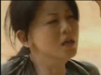 【ヘンリー塚本】独裁国家の熟女将校は捕虜を性欲処理に利用