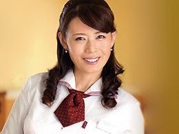 バイト先で知り合った四十路のキレイな奥さんと何度も職場でエッチしちゃう若者 三浦恵理子
