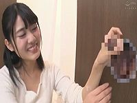 女子大生が壁から生えたチ●ポを射精させるごとに10万円貰えるエッチな企画に挑戦!
