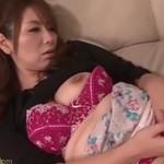 翔田千里 夫に先立たれた美熟女はその連れ子と慰め合うようにセックス