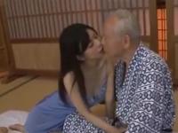 青葉優香が年の差60歳の平次郎さん81歳とセックス!