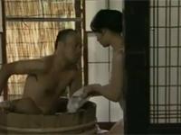 【ヘンリー塚本】昭和の夏の日 美熟女妻と行水してからセックスする