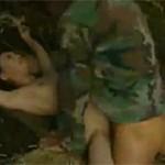 【ヘンリー塚本】山奥で囚われた熟女捕虜が兵士たちに次々と挿入される xvideos
