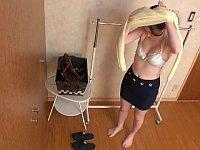 新作水着モデルバイト募集!お金に釣られてやって来たお姉さんの末路......