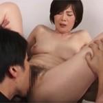 竹内梨恵 綺麗な四十路熟女マ○コがドアップ手マンクンニから騎乗位で絶頂セックス!