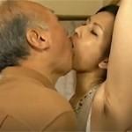 【ヘンリー塚本】腋毛が艶っぽい美熟女と八十前の老人がハードファック xvideos