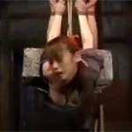 【SM】七咲楓花 三十路美女が江戸時代的に丸裸で縛り吊るされ拷問にかけられる!