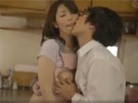 翔田千里  美熟女母の再婚に嫉妬し台所で無理やり近親相姦してしまった息子
