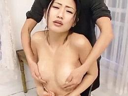 「あぁ〜うふぅ〜〜ん」ローション垂らされ乳首刺激されおっぱい揉まれる芸能人w 壇蜜