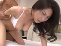 【初撮り】中国出身美熟女妻が日本に来て三年で絶頂味わうセックス! 吉澤紅花