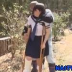 【ヘンリー塚本】野良ション見られた松葉杖の女学生が犯される不幸 xvideos
