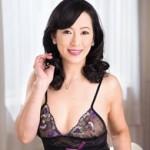 妖艶かつ美しき五十路熟女・服部圭子のお色気ムンムンのSEXオムニバス!