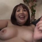 【無修正】巨乳熟女のマ○コを男二人がじっくり責めてからセックス! xvideos