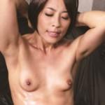 45歳の筋肉熟女が最強膣圧マ○コでチ○ポを締め付けたまらず中出し! 麻生美加子