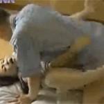 【ヘンリー塚本】仲睦まじい熟年カップルは朝起き抜けに一発セックス!