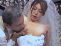 【ヘンリー塚本】年の差不倫カップルのラブホ結婚式風ウエディングセックス
