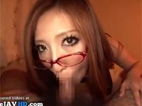 細身で巨乳の眼鏡美熟女がクソエロ黒ストッキング姿で主観フェラ抜き!xvideos