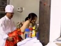 【ヘンリー塚本】中華シェフ「客も減ったなチャイナドレスのままセックスするぞ!」