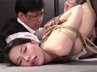 井上綾子 美人だけど高飛車な四十路熟女上司を媚薬縛り陵辱で日頃の仕返し!