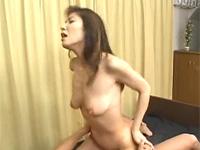 【無修正】細身巨乳のキレイめ熟女と激しい騎乗位セックス! milf charm eikohayashibara xvideos